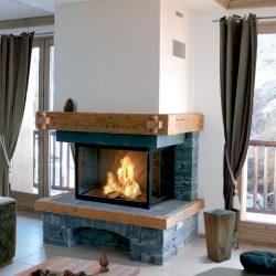 cheminée chalet en pierre sèche bleue foyer 3 vitres modèle merlo atre et loisirs