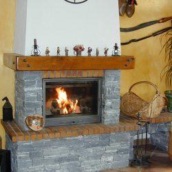 cheminée chalet en pierre sèche bleue atre et loisirs