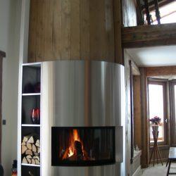 cheminée d'angle saillant galbée hotte en inox atre et loisirs
