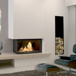 cheminée moderne pierre beige niche a bois en métal 2 vitres modèle stylo atre et loisirs
