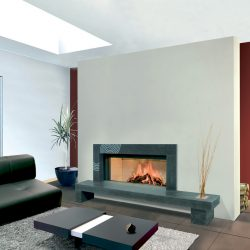 cheminée moderne en pierre bleu du hainaut modèle ydro atre et loisirs