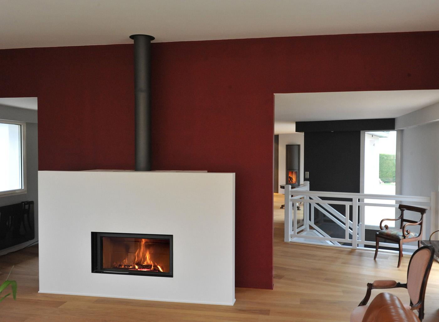 foyers st v le feu essentiel dans une chemin e ouverte. Black Bedroom Furniture Sets. Home Design Ideas