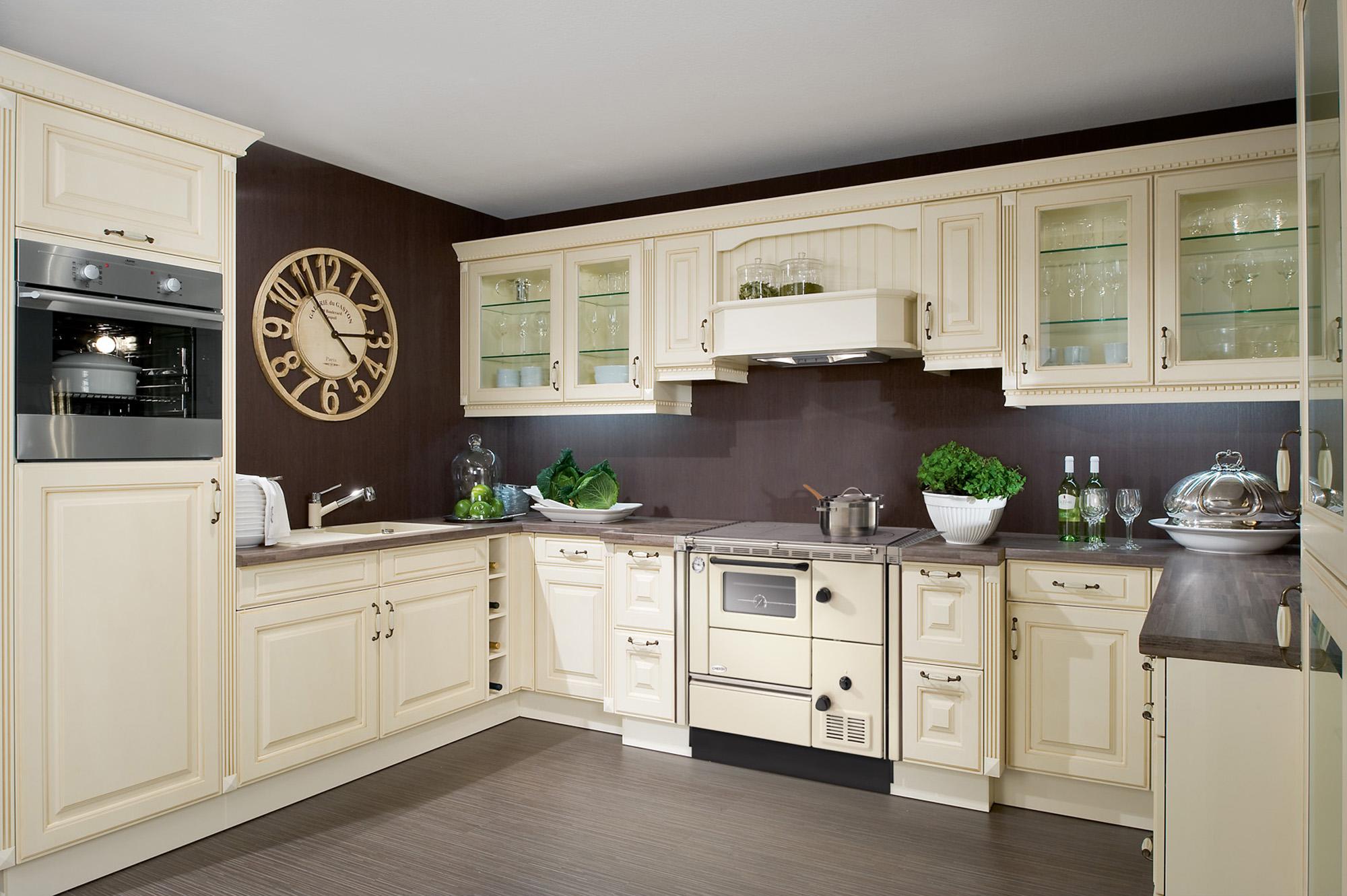 cuisini res bois atre et loisirs importateur lohberger. Black Bedroom Furniture Sets. Home Design Ideas