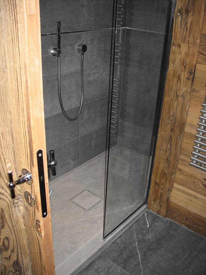 marbre salle de bains quel choix atre et loisirs vous conseille. Black Bedroom Furniture Sets. Home Design Ideas