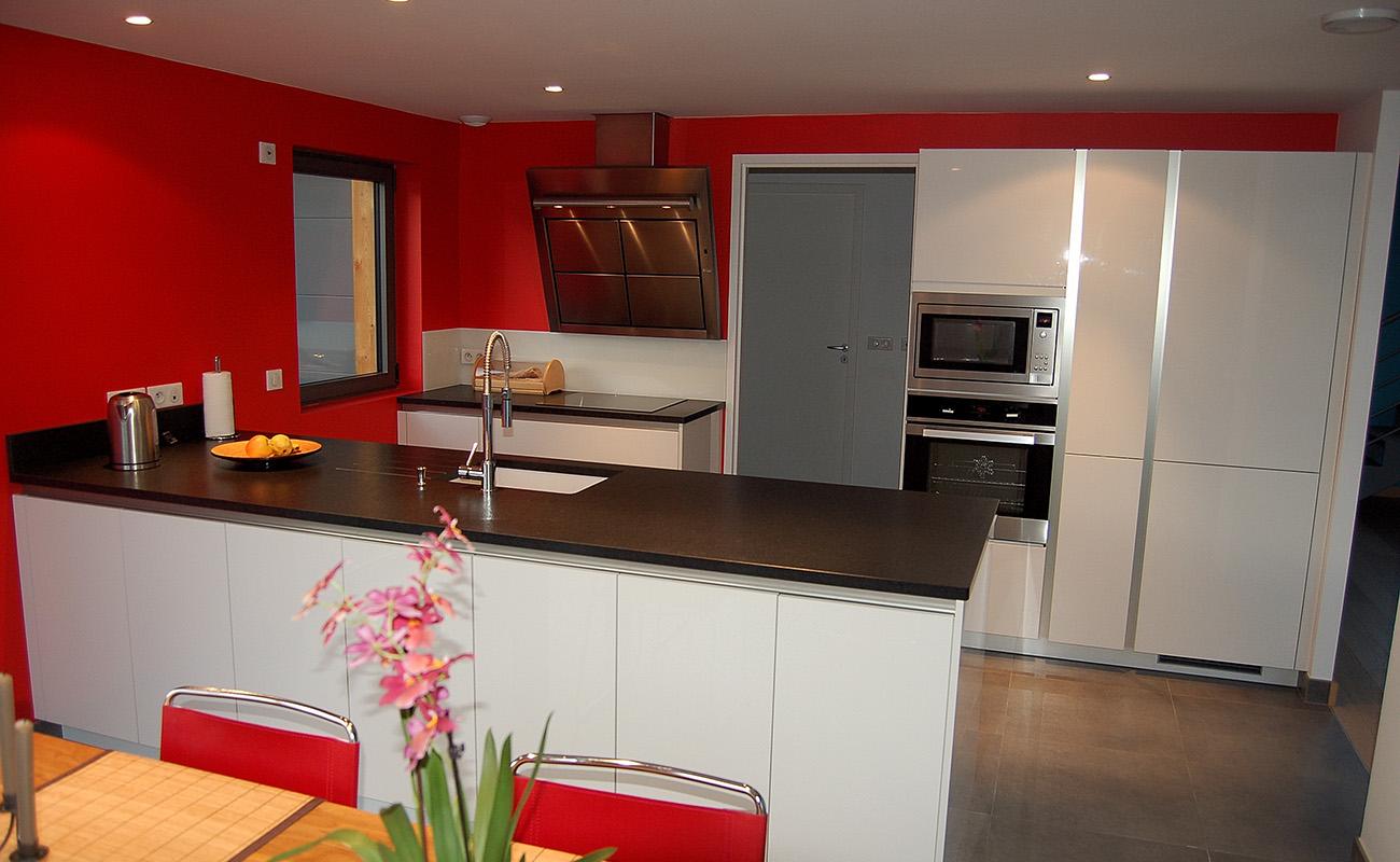 Tendance d co du rouge dans la cuisine atre loisirs for Tendance deco cuisine