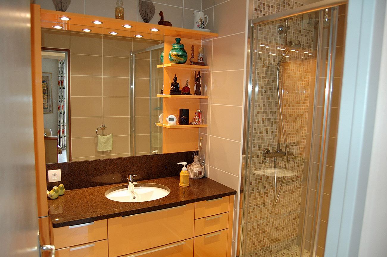Marbre salle de bains : quel choix ? Atre et Loisirs vous ...