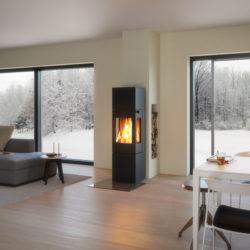 poele à bois Attika nexo, poêle moderne carré avec 3 vitres, haut avec accumulateur, installeur Attika Atre et Loisirs, Grenoble, Chambéry, Annecy,